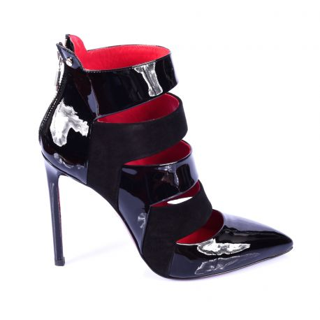Pumps with multiple crossover straps in patent leather