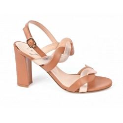 Sandal bicolor