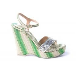 Sandale compensée en tissu brocard