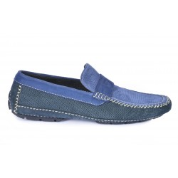 Driving shoes in perforated nubuck