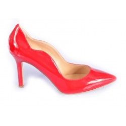 Pumps point-toe in patent leather
