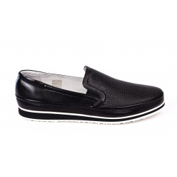 Loafers in perforated leather