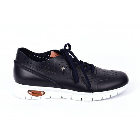 Sneakers cuir perforé