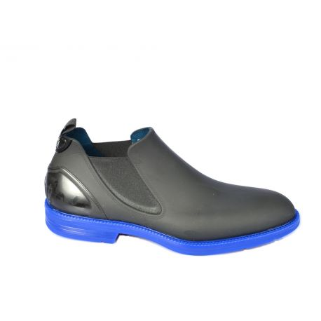 Ankle boots in rubber and neoprene