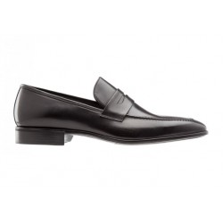 Pointed loafers in leather