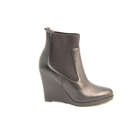Leather low boot