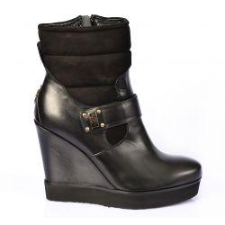 Low boots wedge