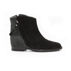 Low boots internal heels suede