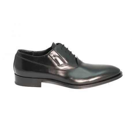 Classic oxford shoes in leather