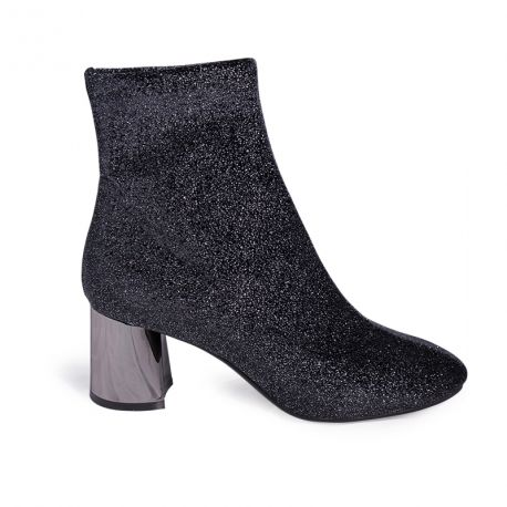 Boots in fabrics
