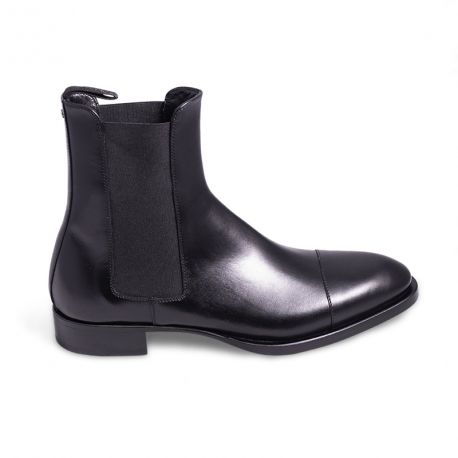 Classy leather boot